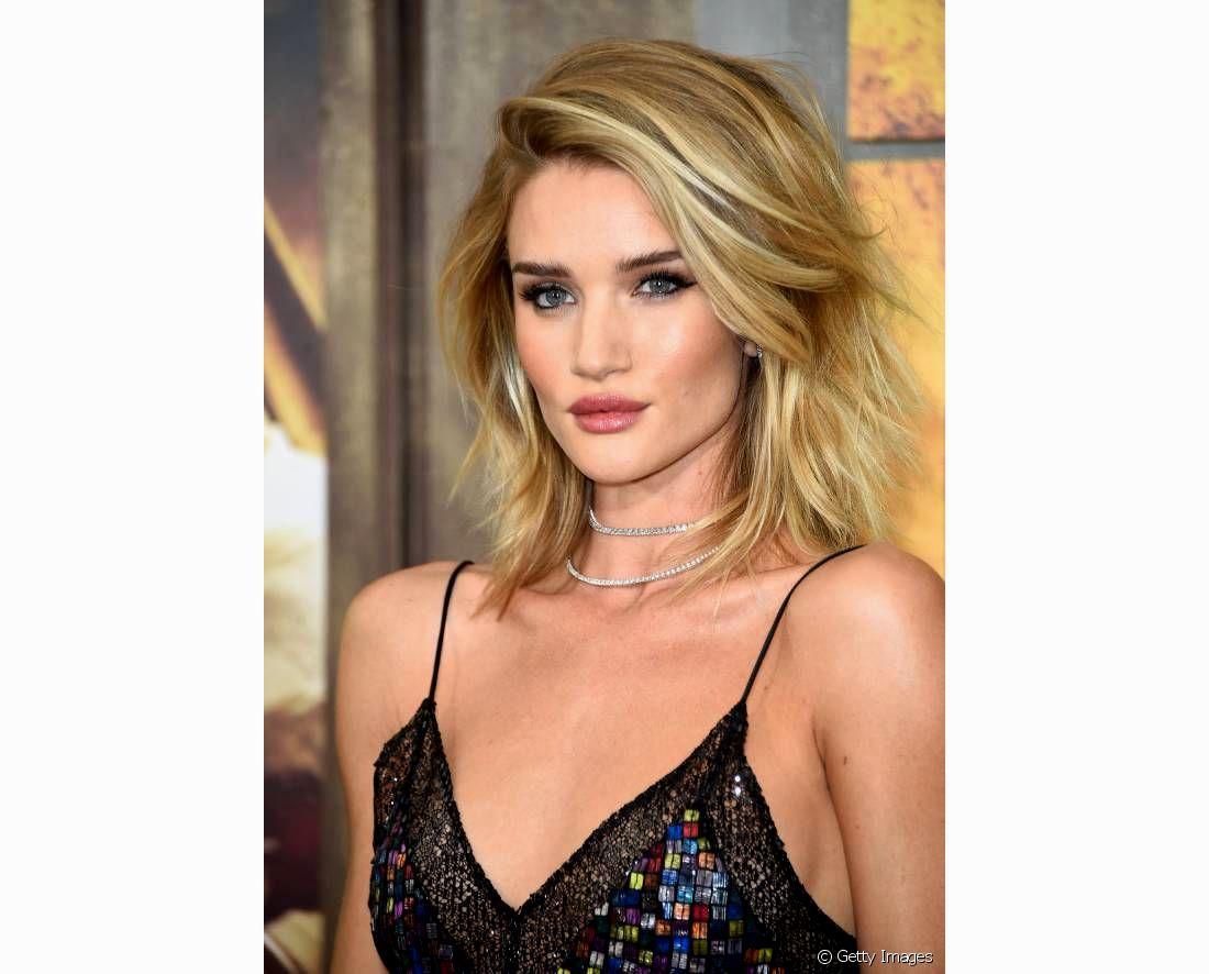 fresh corte de cabelo medio com luzes imagem-Legal Corte De Cabelo Medio Com Luzes Design