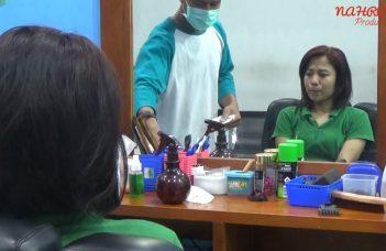 Woman Gets Haircut in Barbershop? (Cewek Potong Rambut di Barbershop?) 7